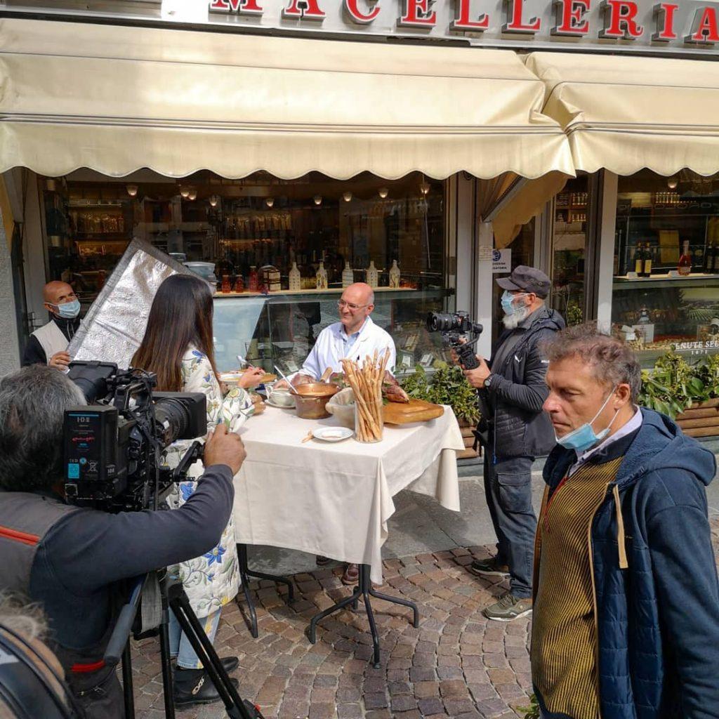 lineaverde ha fatto tappa a biella visitando la macelleria gastronomia mosca 1916. la visita nel biellese sarà trasmessa sabato 10 ottobre su rai1